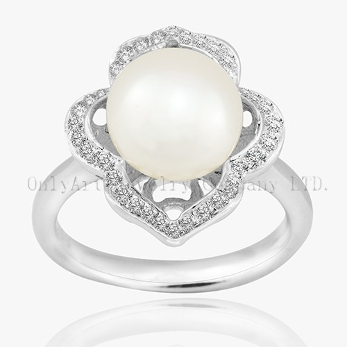 Big Pearl In The Middle 925 Sterling Silver Ring