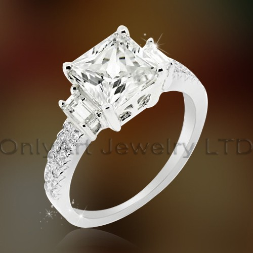 Elegant 925 Silver Design Cz Wedding Ring OAR0179